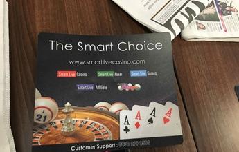 スマートライブカジノのデスク